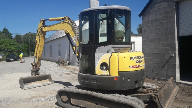 Mini pelle New Holland E 50.2 SR CABINE